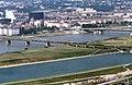 090R24310782 Blick vom Donauturm, Entlastungsgerinne in Bau, Blick Brigittenau, Gasometer Forsthausgasse, Nordbahnbrücke.jpg