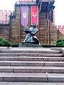 15.Пам'ятник Ярославу Мудрому у Золотоворітському сквері.jpg