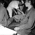 18.05.76 à l'école vétérinaire de Toulouse, opération d'un brocard jeune cerf (1976) - 53Fi902.jpg