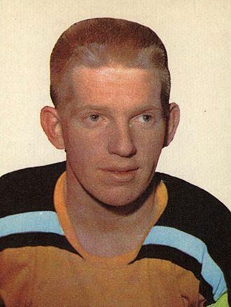 Pat Stapleton (ice hockey) - Image: 1962 Topps Pat Stapleton