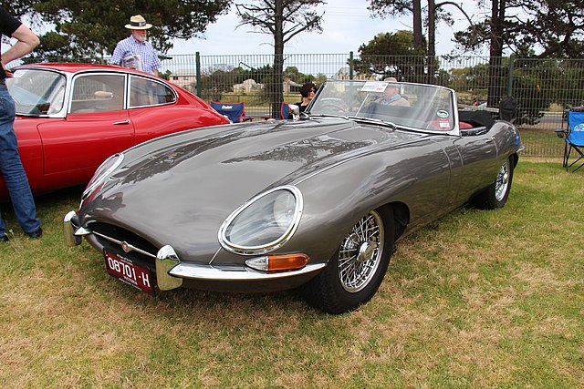 68 jaguar e type engine free image  68  free engine image
