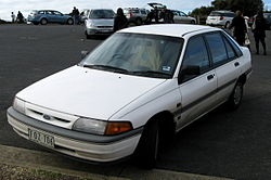 1993 Ford Laser (KH) GL Grand Slam 5-door hatchback (2008-08-24) 01.jpg