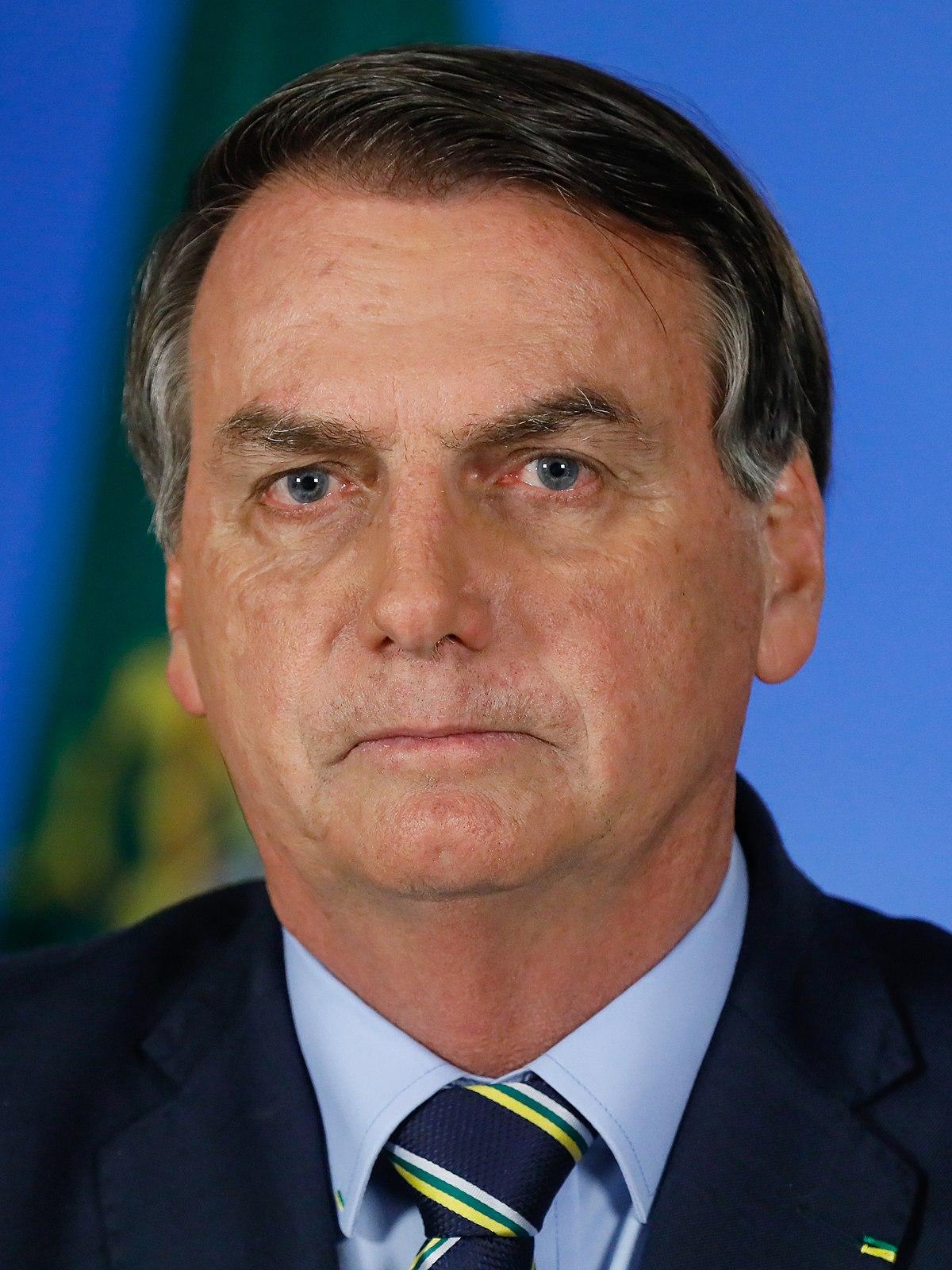 File:2020-03-24 Pronunciamento do Presidente da República, Jair Bolsonaro  em Rede Nacional de Rádio e Televisão - 49695919452 (cropped 2).jpg -  Wikipedia