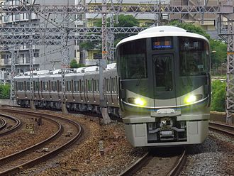 225 series - A 225-100 series 8-car set on a Rapid service in July 2016