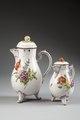 2 kaffekannor.Ludwigsburg. Tyskland - Hallwylska museet - 87076.tif