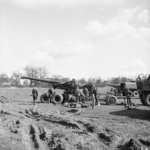 BL 7.2-inch howitzer - 7.2 in howitzer Mk 6 at Rhine crossing 1945