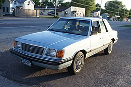 88 Plymouth Reliant Executive Classic (14527902871).jpg