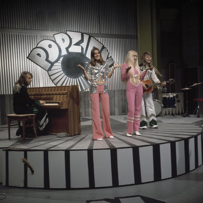 ABBA - Popzien 1973 4.png