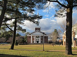 A J Gordon Memorial Chapel, Gordon College, Wenham MA.jpg