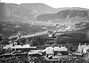 Blaenau Ffestiniog - A view of Blaenau Ffestiniog from Graig Ddu, c.1875 NLW3361243