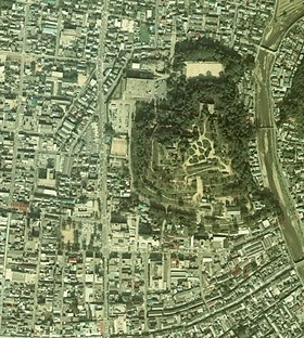 Aerial photo of Tsuyama Cstl 1976.jpg