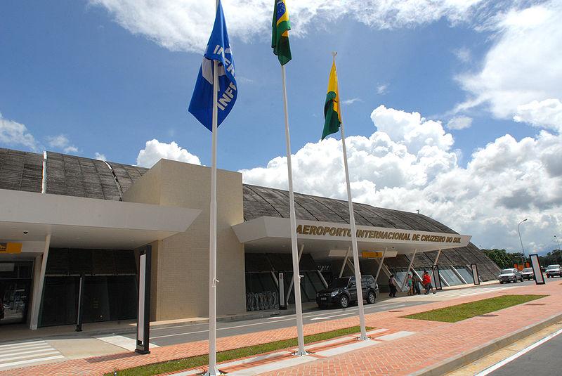 Ficheiro:Aeroporto de Cruziero do Sul acre.jpg