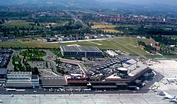 "Aeroporto di Bologna-Borgo Panigale (""Гульельмо Маркони"") 01.jpg"