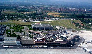 """Bologna Guglielmo Marconi Airport - Image: Aeroporto di Bologna Borgo Panigale (""""Guglielmo Marconi"""") 01"""