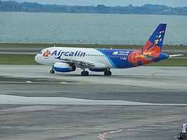 Air Calin A320 F-OZNC at AKL (22164380469).jpg
