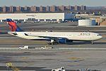 Airbus A330-323X 'N804NW - 3304' Delta (30631139422).jpg