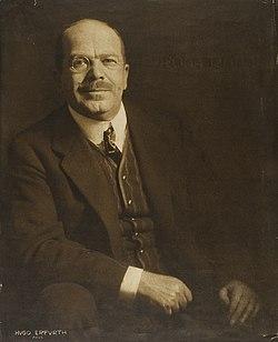 Alexander Roda Roda by Hugo Erfurth, c. 1909.jpg