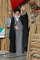 Ali Khamenei in Rahian-e Noor01.jpg