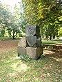Alsterpark Skulptur aus Steinen (1).jpg