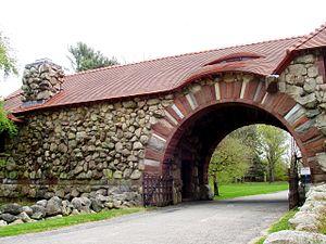 Ames Gate Lodge - Image: Ames Gate Lodge (North Easton, MA) arch
