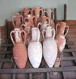 Amphorae retouched