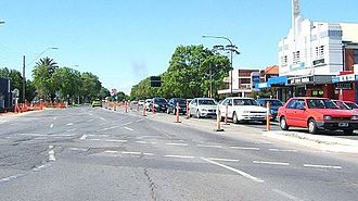 Anzac Highway, Adelaide - Looking towards the city at the South Road intersection in 2008. This intersection has since been replaced with an underpass.