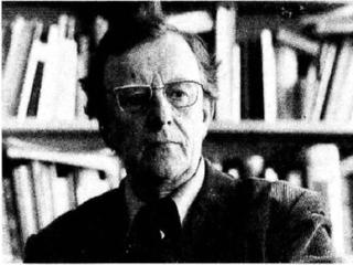 Asbjørn Aarnes literary historian