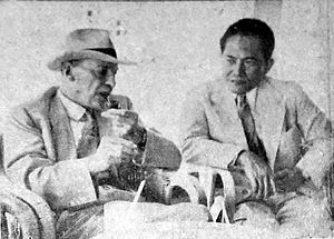 Soenario - Sunario (right) with British leader Clement Attlee in 1954