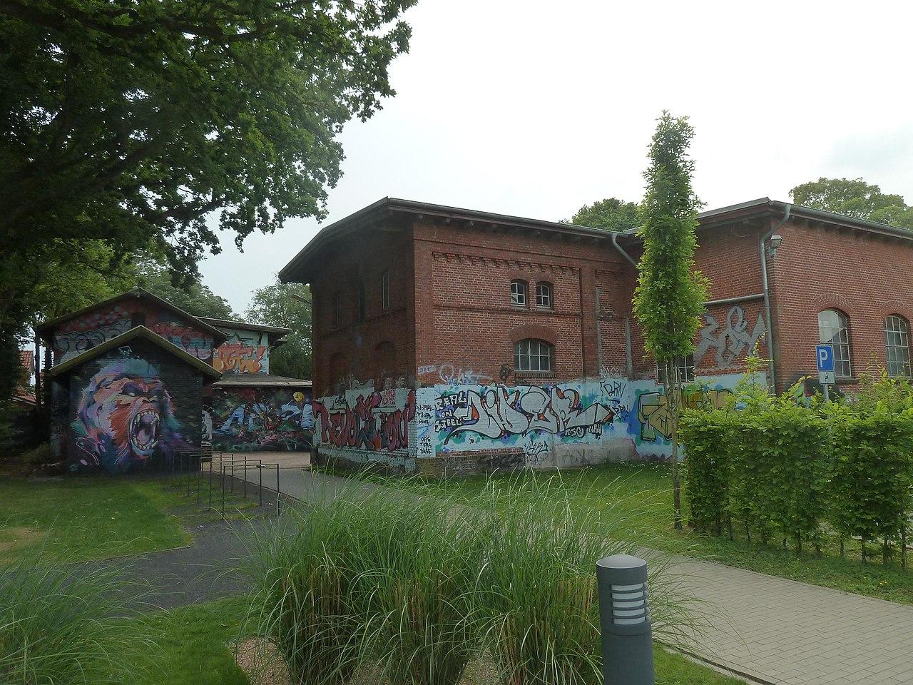 Datei:Aurich, Jugendzentrum Schlachthof Rückseite.jpg