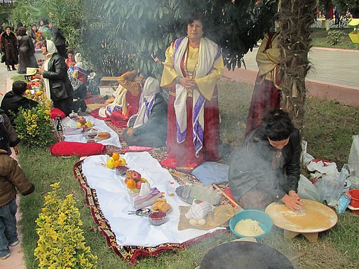 Azerbaijan-Pomegranate Festival, making lavash bread (e-citizen)