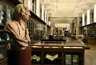 The Enlightenment Gallery at museum, which formerly held the King's Library, 2007 BM; 'MF' RM1 - The King's Library, Enlightenment 1 'Discovering the world in the 18th Century ~ View South.jpg