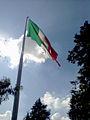 Bandera monumental en el cerro El Calvario, Toluca, México.jpg