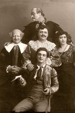 Rappresentazione del 15 novembre 1913 al Teatro Bol'šoj di Mosca. (In alto, il celebre basso Fëdor Ivanovič Šaljapin)