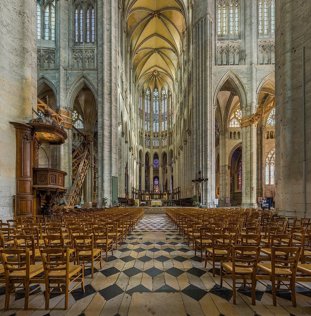 File:Beauvais Cathedral Interior, Picardy, France - Diliff ...