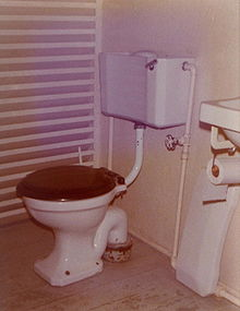 Flush toilet - Wikipedia, the free encyclopedia