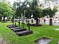 Bergen, Mariakirken, cemetery.jpg