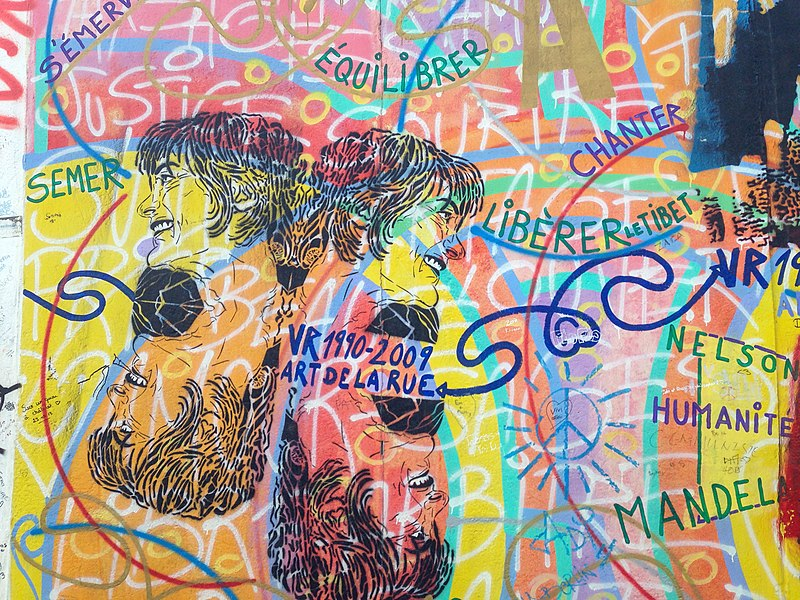 File:Berlin, East Side Gallery 2014-07 (Hervé Morlay - Amour, Paix) 2.jpg