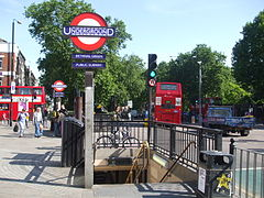 Bethnal Green stn southwest entrance.JPG