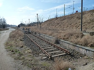 Teltow railway station - Freight tracks; to the right are the remains of the platform unused since 1998
