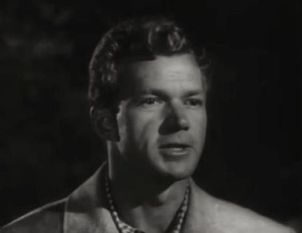 Bill Williams nel film The Pace That Thrills (1952)