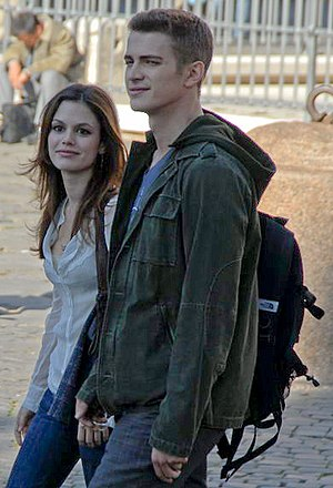 Hayden Christensen - Christensen with ex–girlfriend Rachel Bilson filming Jumper in Rome in 2006