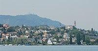 Blick vom Zürichsee auf Thalwil und Uetliberg (2009).jpg