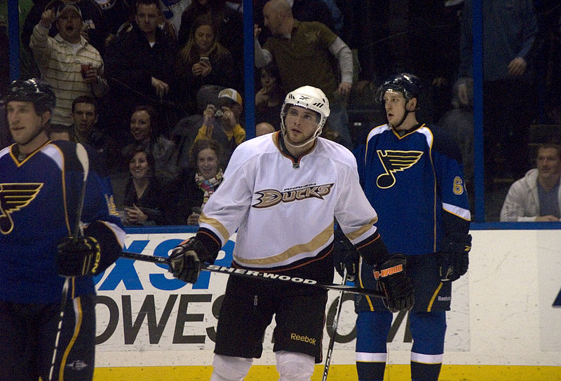 File:Blues vs Ducks ERI 4727 (5472517057).jpg