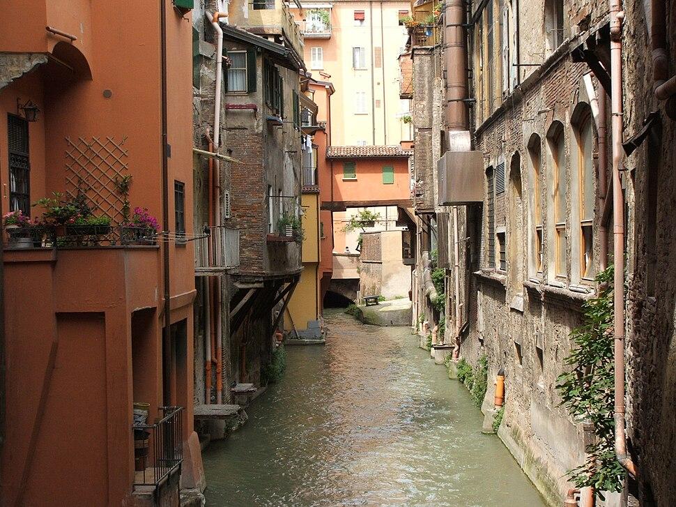 Bologna, Canale delle Moline (1)