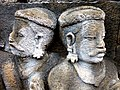 Borobudur - Divyavadana - 069 W, King Bimbisara receives King Rudrayana's Cuirass (detail 2) (11706321495).jpg