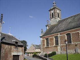Église Saint-Rémy et centre du village.