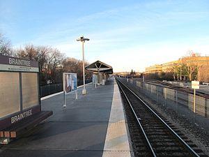 Braintree (MBTA station) - The 1997-opened commuter rail platform
