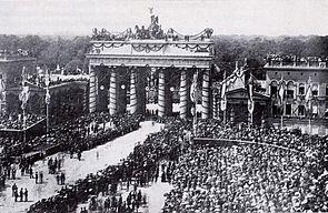 Brandenburger tor 1871.jpg