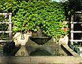 Brunnen im Urnengarten auf dem Hauptfriedhof Freiburg.jpg