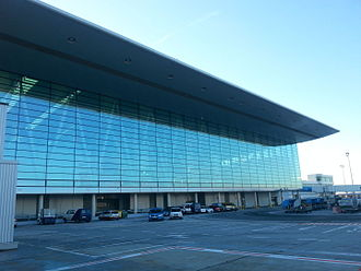 Budapest Ferenc Liszt International Airport - Sky Court, the connection of terminals 2A and 2B